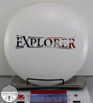 Dyemax Explorer, Flag Bar Stam